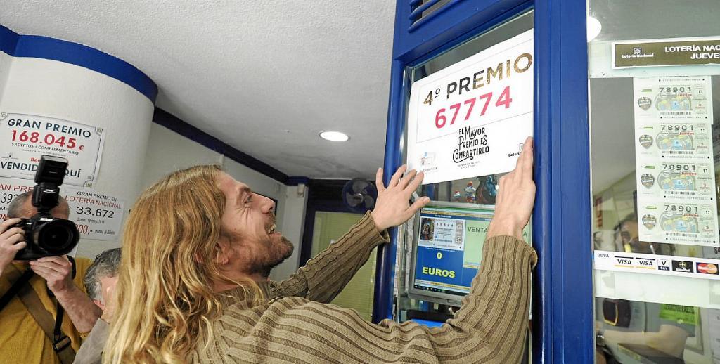 La Lotería de Navidad reparte suerte en Ibiza con un cuarto ...